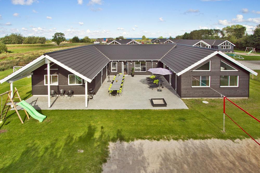 Sommerhus til 20 personer ved Købingsmark