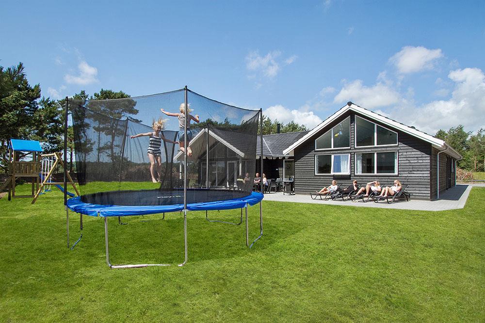 Sommerhus til 18 personer ved Dueodde