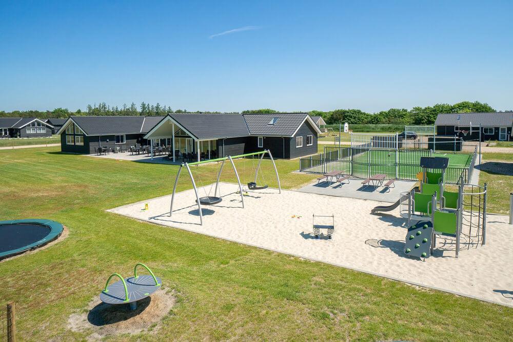 Sommerhus til 30 personer ved Houstrup Strand