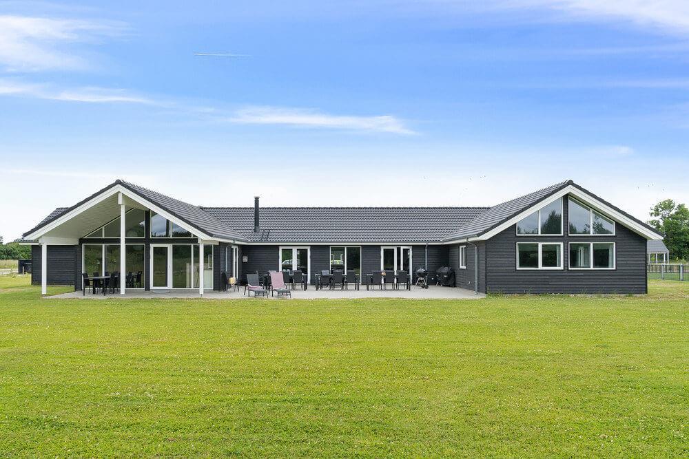 Sommerhus til 30 personer ved Grenå Strand