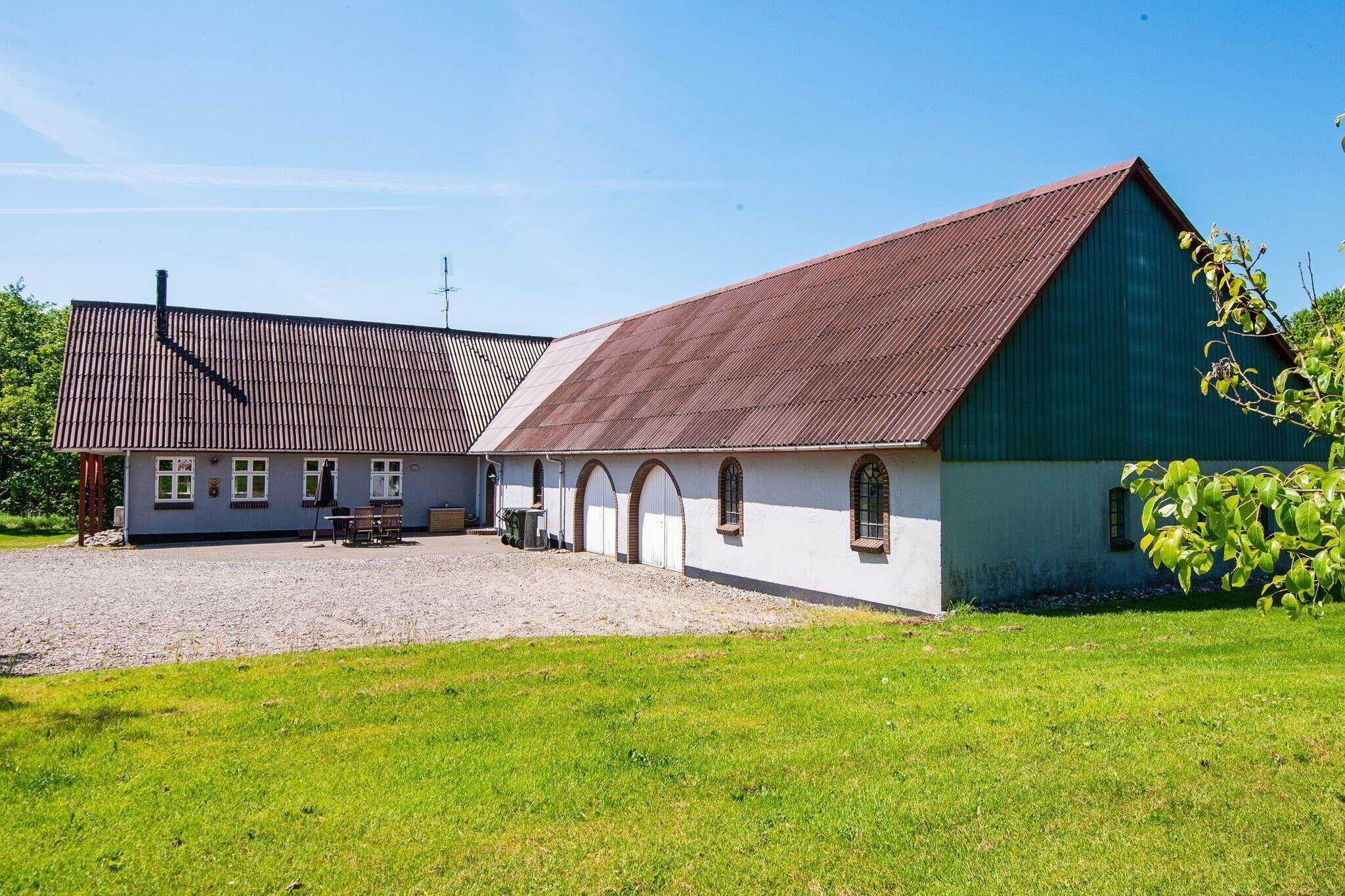Sommerhus til 18 personer ved Ørsted